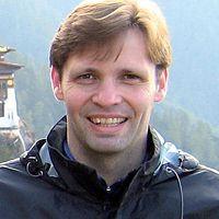 Chris Rowthorn